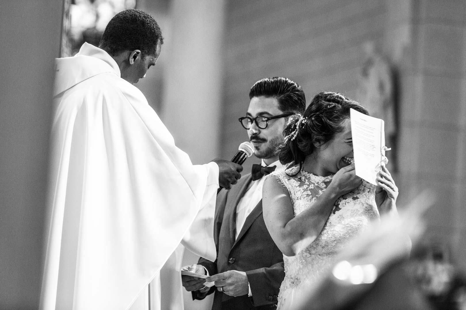 lapsus et fou rire pendant la célébration du mariage