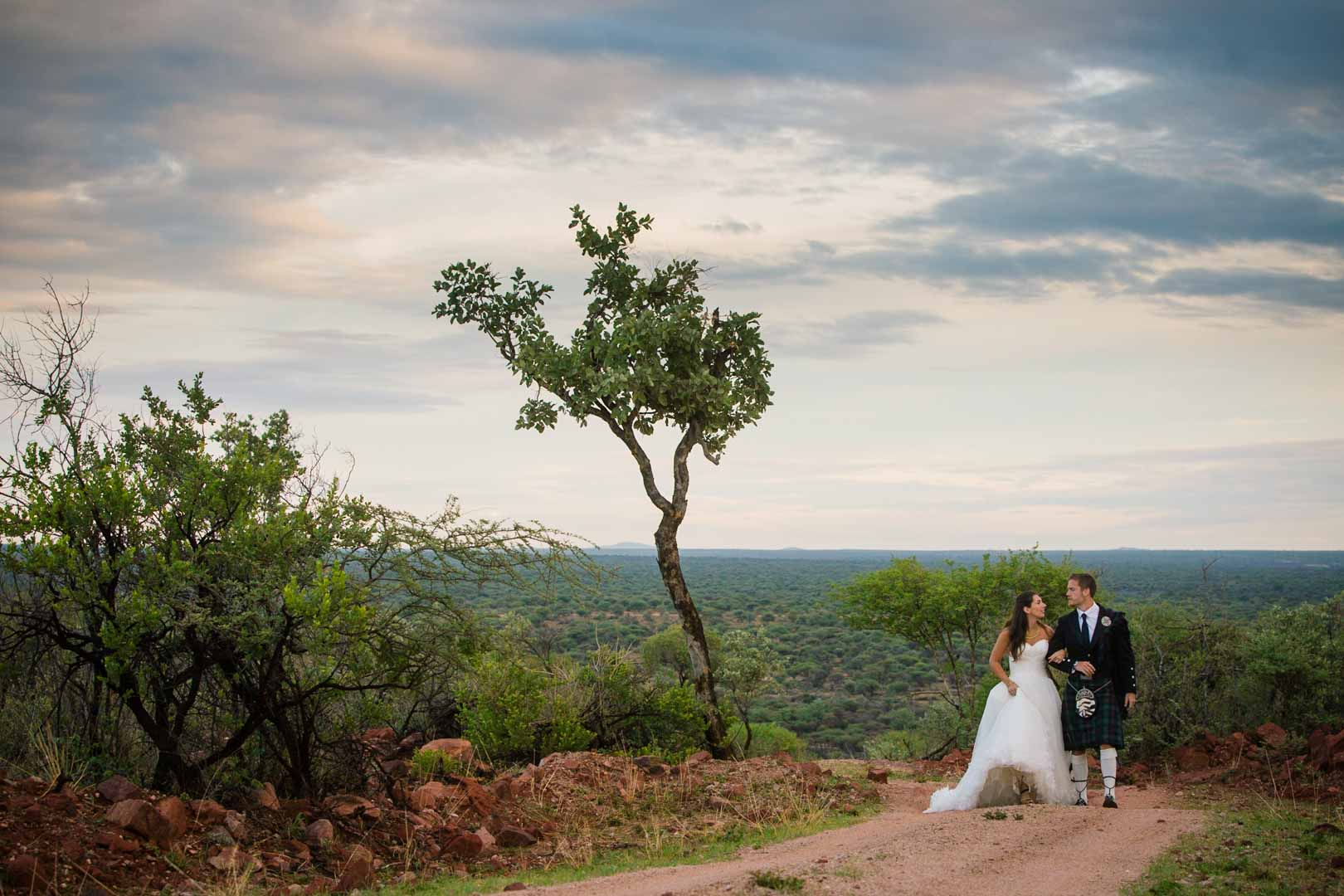 Marie et Torran, photo session en couple, mariage en Namibie