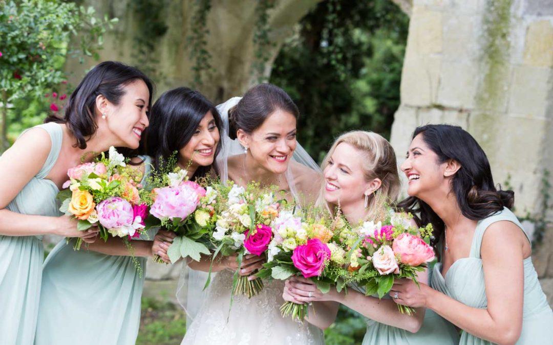 La marié et ses demoiselles d'honneur au château de Detilly