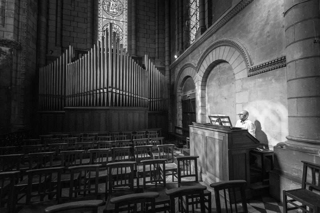 orgue-eglise-pretre-anger