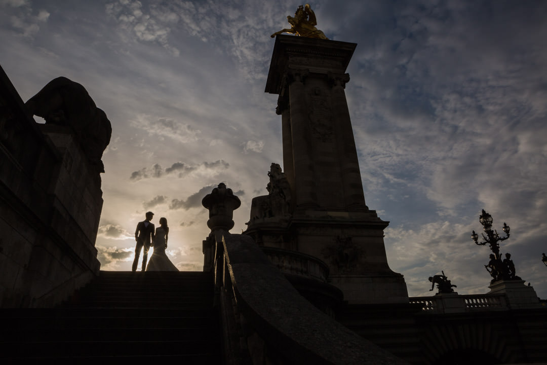 photo-couple-mariage-paris-louvre-2