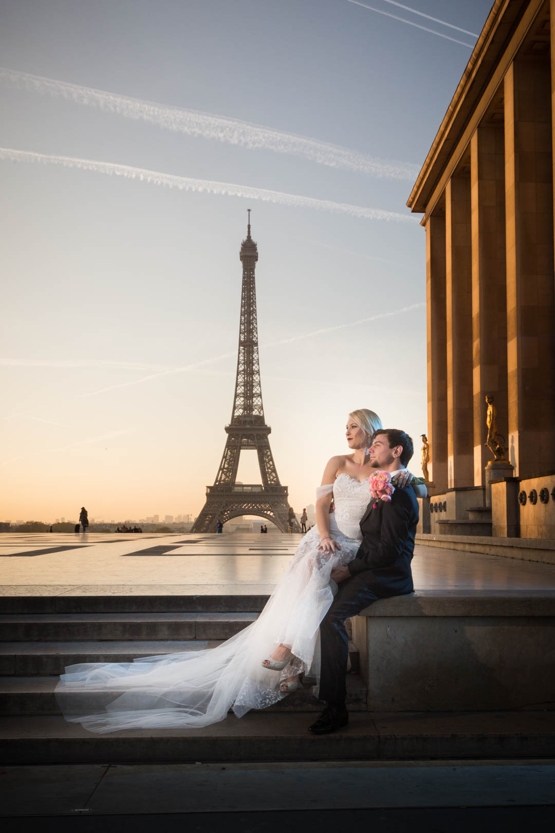 session-photo-couple-paris-tour-eiffel