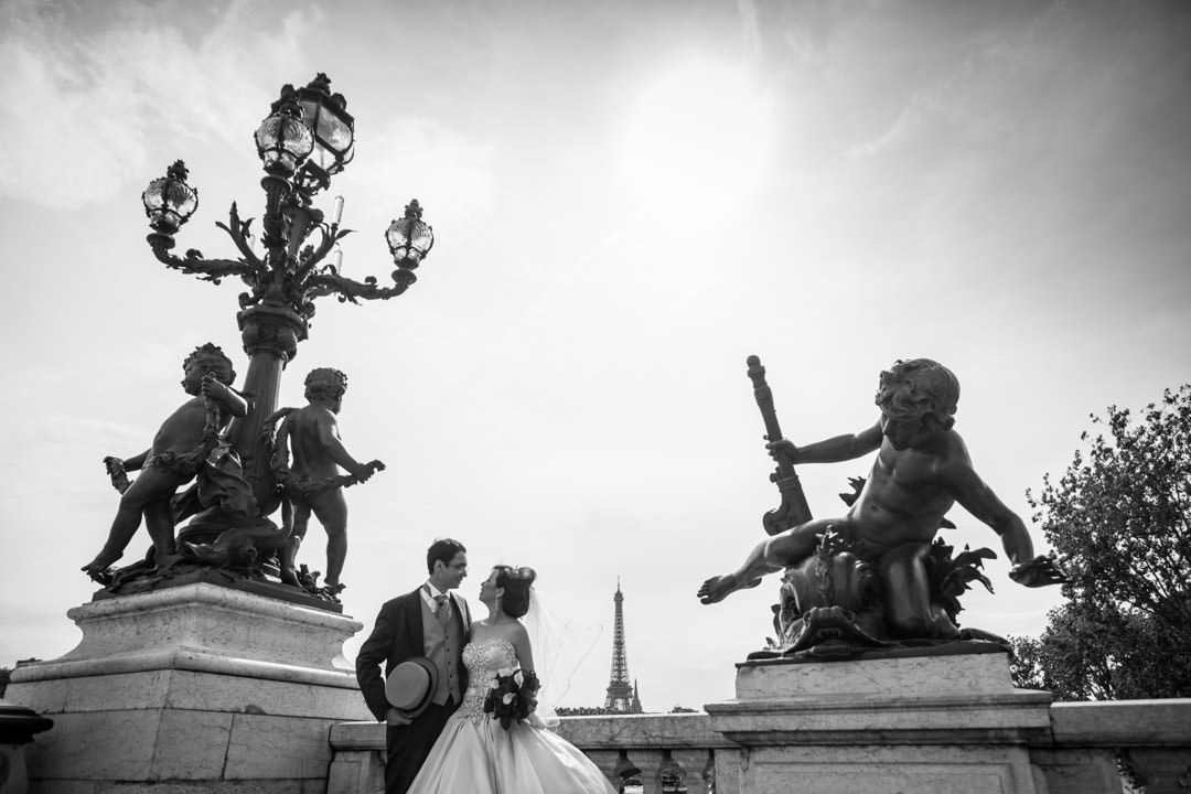 Photo shoot en couple au Pont Alexandre III